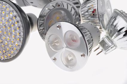 LED Lampen haben einen geringen Energieverbrauch und eine hohe Lebensdauer