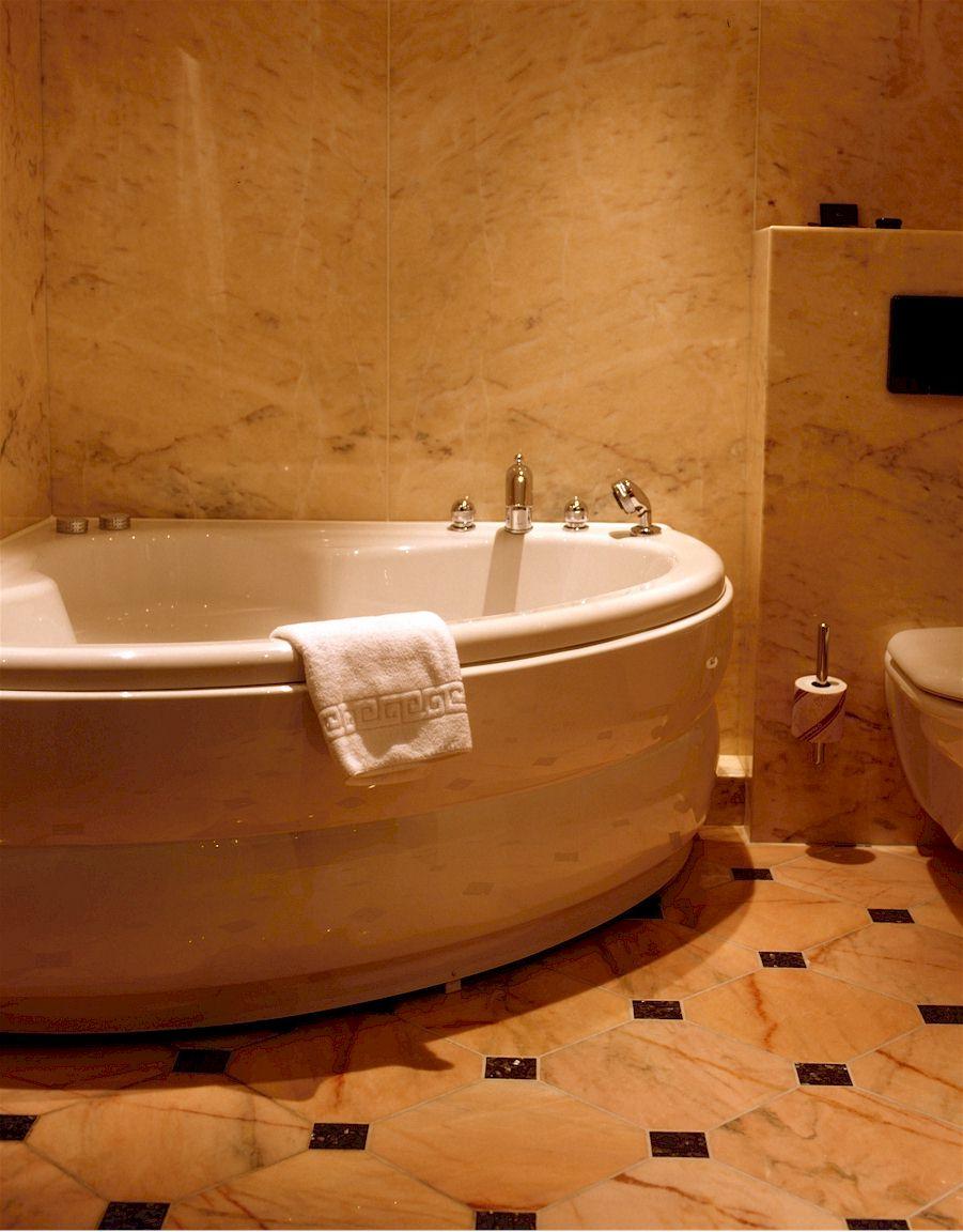 Luxusbadezimmer