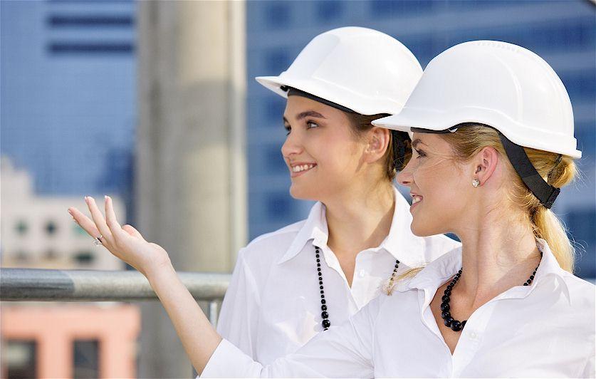 Frauen auf der Baustelle