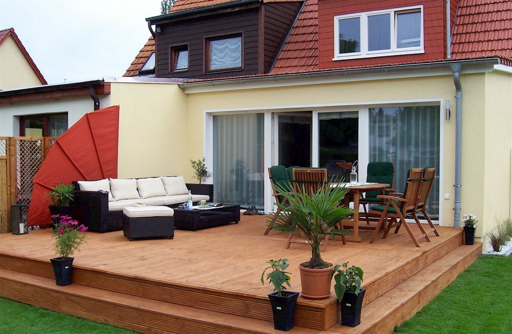 Hausbau bautec musterhaus for Berlin hausbau