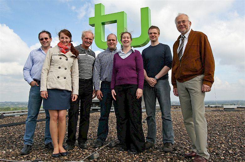 Das Forscherteam an der TU Dortmund mit Prof. Dr. Andreas Neyer