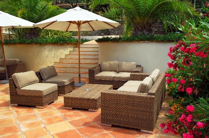 Garten-Möbel