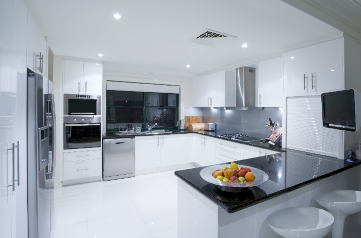 56 . Edles Granit für luxuriöse und besonders attraktive Küchen ...