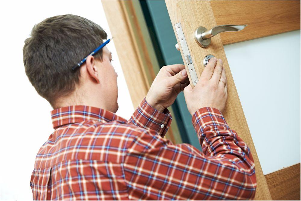 Auch Türschlösser werden im Zinkdruckguss Verfahren gefertigt. (Foto: kadmy / Clipdealer.de)