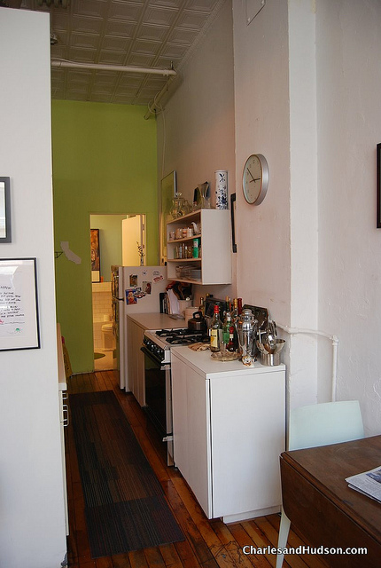 Wer wenig Platz für eine Küche hat, der muss kreativ sein. (Fotoquelle: Flickr - Charles & Hudson / CC BY-SA 2.0)