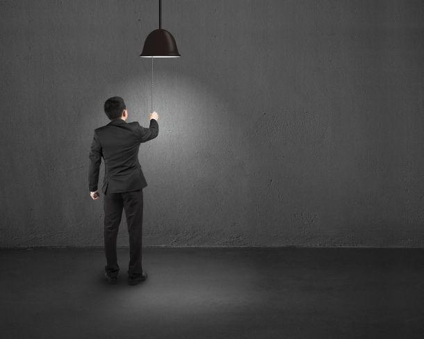 Mit einigen Sicherheitsvorkehrungen und ein paar Tipps können Sie Lampen selber anschließen. (Bildnachweis: bswei / clipdealer.de)