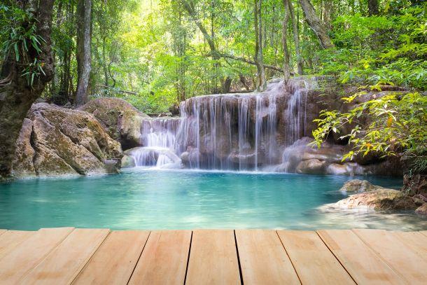 Naturnah, pflegeleicht und jederzeit schön - der Schwimmteich (Fotoquelle: nachai / clipdealer.de)