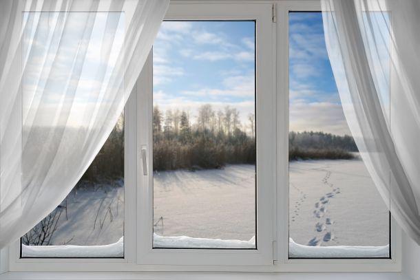 Undichte Fenster sind wahre Energieräuber (Fotoquelle: varvarayara / clipdealer.de)