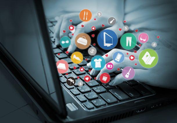 Über soziale Netze können neue Vertriebspartner und neue Mitarbeiter gefunden werden. (Fotoquelle:  feelart / clipdealer.de)