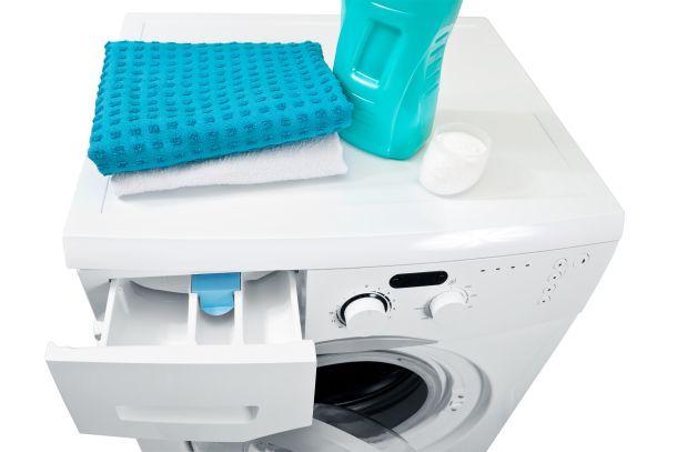 Regelmäßige Reinigung stellt nicht die Langlebigkeit und einwandfreie Funktionsfähigkeit der Geräte sicher. (Fotoquelle: g215 / clipdealer.de)