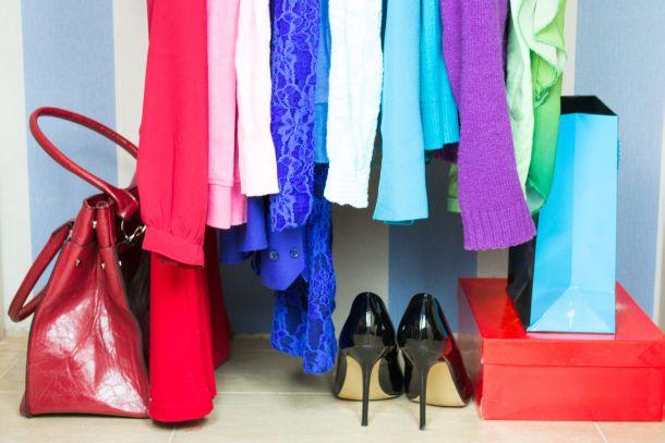 Accessoires geben der Ankleide Boutique-Charakter. (Fotoquelle: maramicado / clipdealer.de)