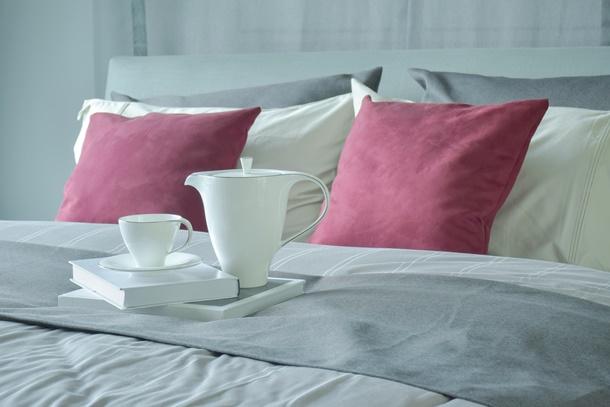 Ein klassischer Bettläufer wirkt elegant und ordentlich. (Bildquelle: worldwidestock / clipdealer.de)