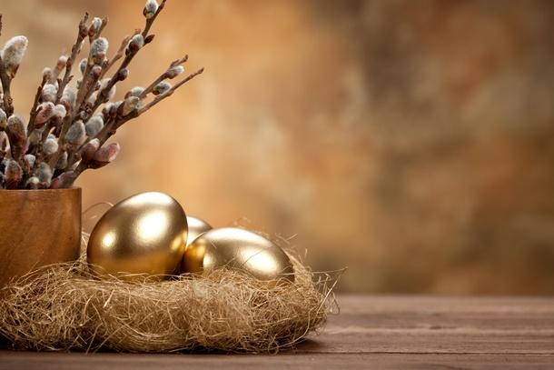 Mit Gold und Silber lassen Sie Ihre Ostereier edel und prunkvoll wirken. (Bildquelle: digieye, clipdealer.de)