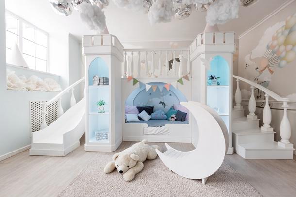 Für Kinder gibt es viele, tolle Ideen - sowie auch die Rutsche fürs Kinderbett. (Bildquelle: malkovkosta, clipdealer.de)