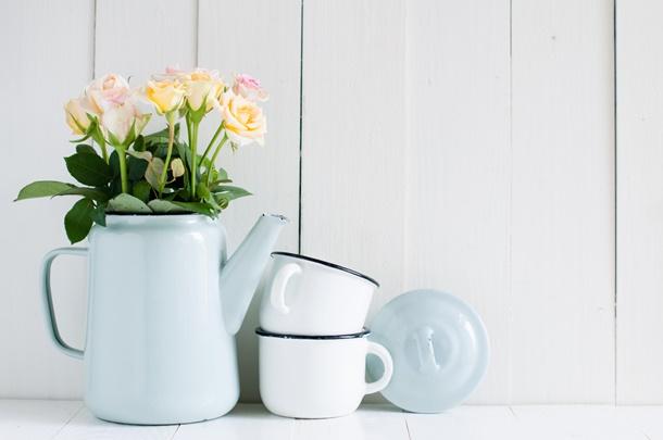 Bei richtiger Pflege kann die Rose langfristig und das ganze Jahr über blühen. (Bildquelle: loonara, clipdealer.de)