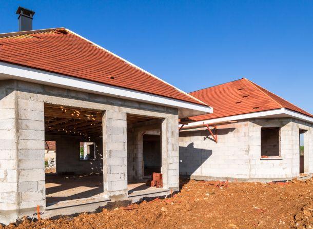 Achten sie darauf, dass Ihr Haus nach Süden ausgerichtet ist. (Fotoquelle: pixinoo / clipdealer.de)