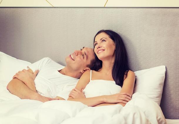 Entscheiden Sie sich gemeinsam mit Ihrem Partner für das richtige Bett und die passende Matratze! (Bildquelle: dolgachov, clipdealer.de)