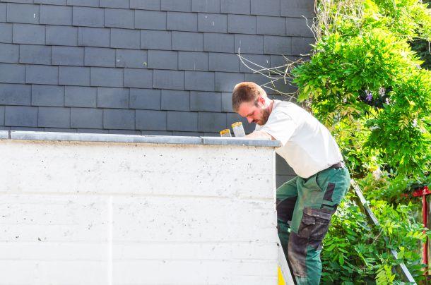 Halten Sie die regelmäßige Wartung ein, haben Sie lange Freude an Ihrem Flachdach. (Fotoquelle: fujisl / clipdealer.de)
