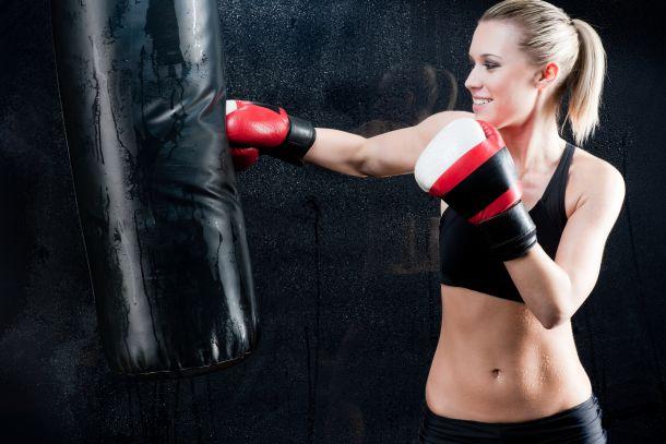 Welche Trainingsgeräte Sie anschaffen, hängt von Ihrem Budget und Ihren persönlichen Trainingspräferenzen ab. (Fotoquelle:  limonzest / clipdealer.de)