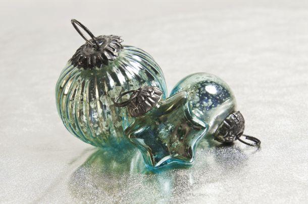 Christbaumkugeln sind das wichtigeste Element der Weihnachtsdekoration. (Bildquelle: marimadesign / clipdealer.de)