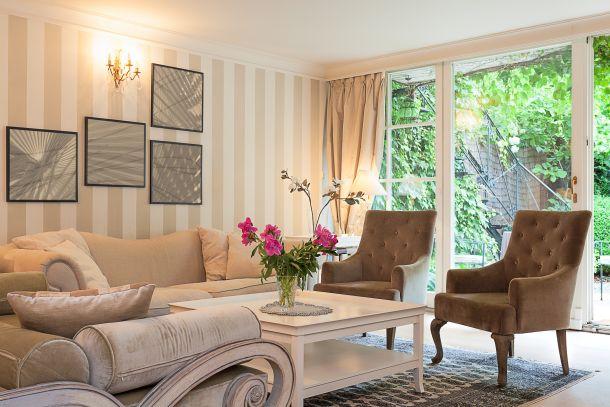 Gestalten Sie Ihr Wohnzimmer einladend und gemütich. (Fotoquelle: bialasiewicz / clipdealer.de)
