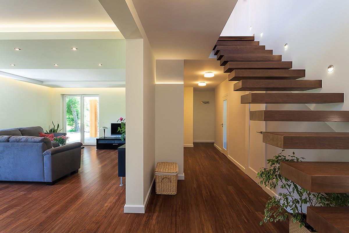 Eine Dachgeschosswohnung einzurichten, ist keine einfache Aufgabe.