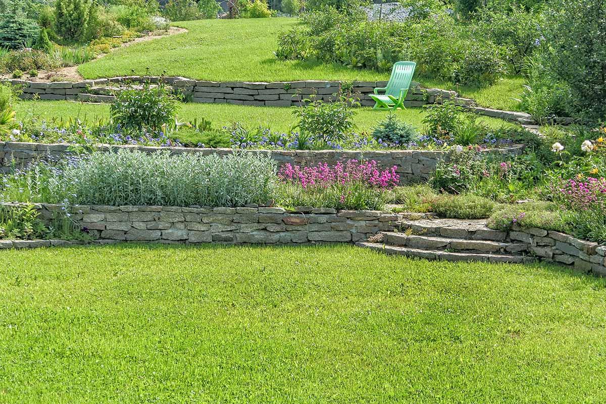 Oberste Priorität hat die Absicherung des Garten vor Erdrutschen.