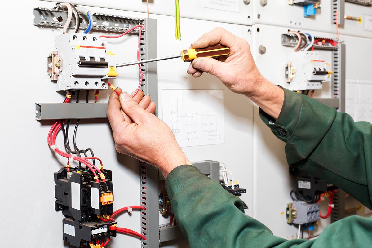Es gibt eine fixe Festlegungen die angeben, wo man Elektroleitungen verlegen darf.