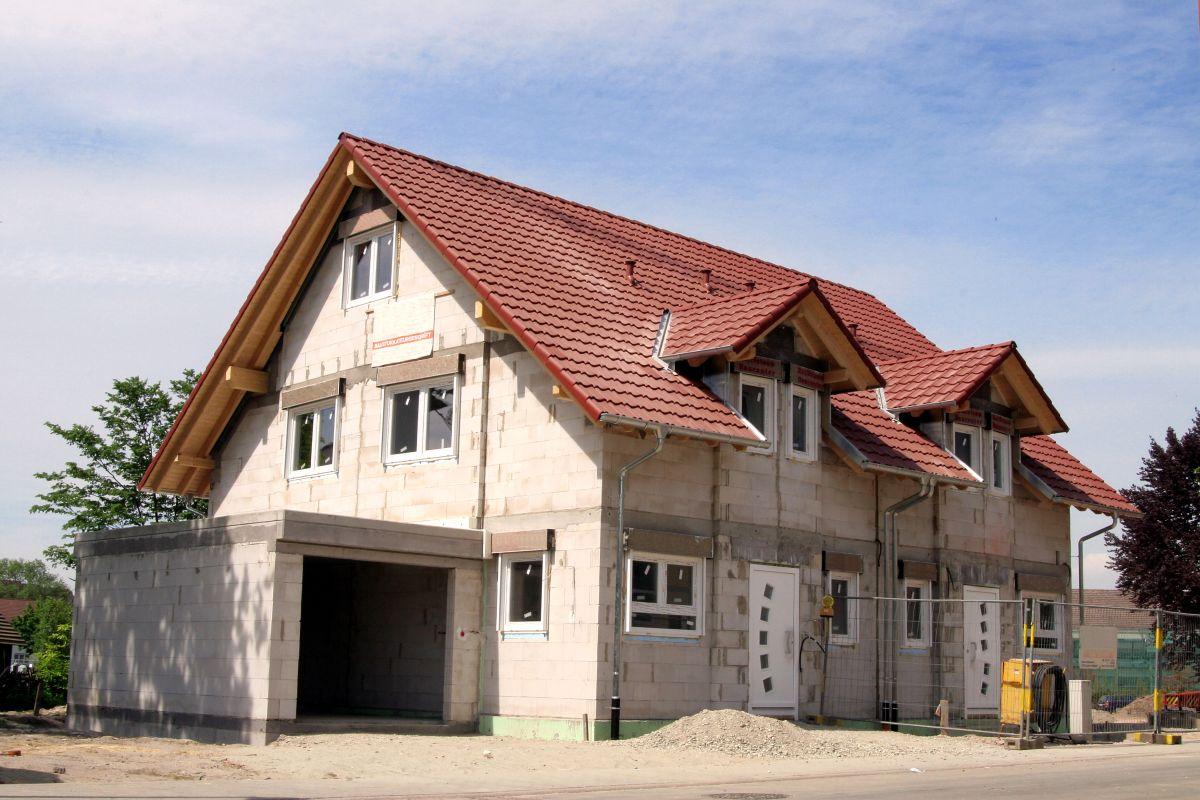 Hausbau oder Bestandsimmobilie? | MEIN BAU