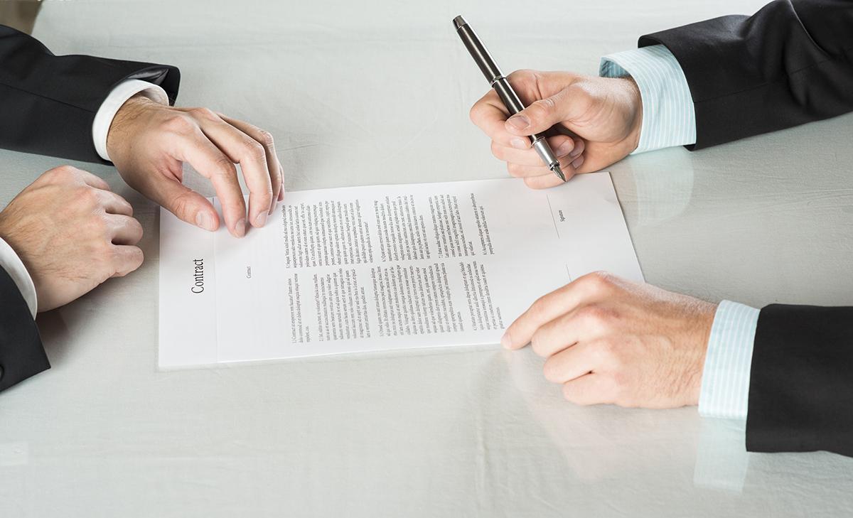 Der Mietvertrag ist immer wichtig, auch wenn das Gesetz viele Vorschriften vorgibt.