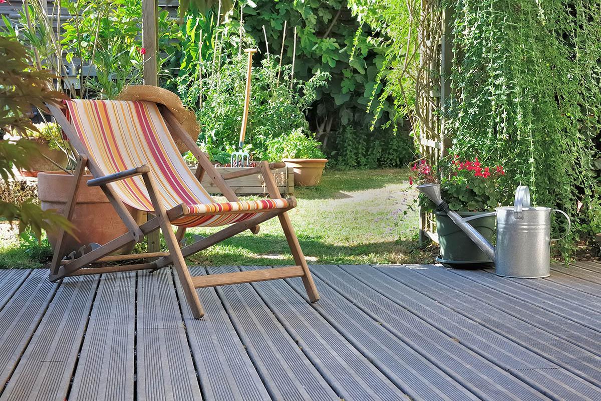Terrassen sind das ganze Jahr über Witterungen ausgesetzt, was die Pflege so wichtig macht.