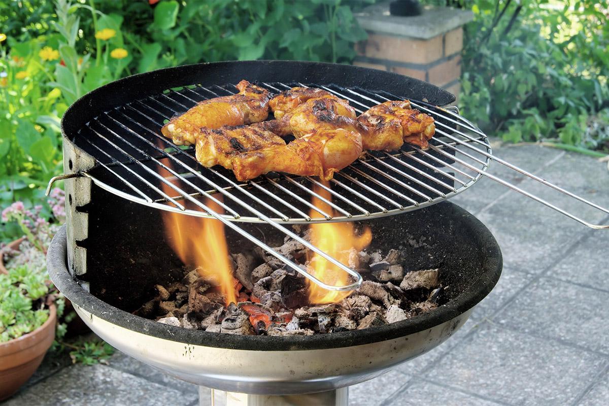 Damit das Grillbuffet köstlich schmeckt, ist es wichtig, den richtigen Gartengrill auszuwählen.