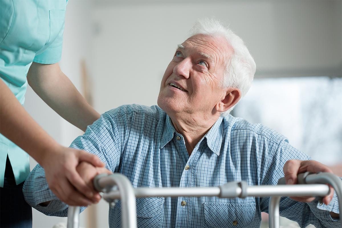 Seniorengerecht Wohnen mithilfe Pflegedienste kann für Senioren die Unabhängigkeit bedeuten.
