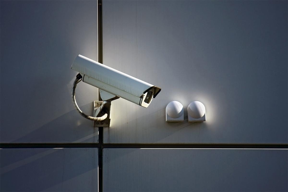 Werden Begegnungen aufgezeichnet und sogar gespeichert, fällt das unter den Datenschutz.
