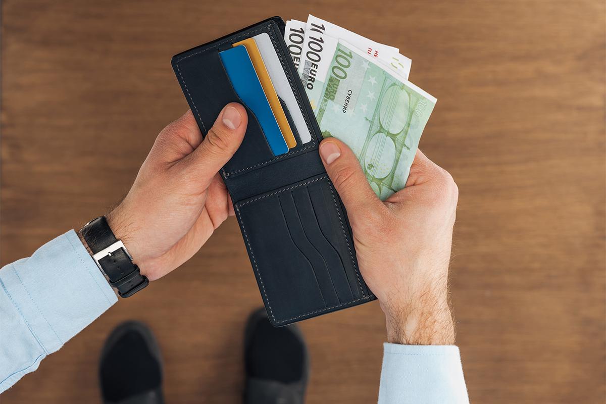 Der Geldfluss muss nachweisbar sein und dafür ist keine einfache Quittung ausreichend.