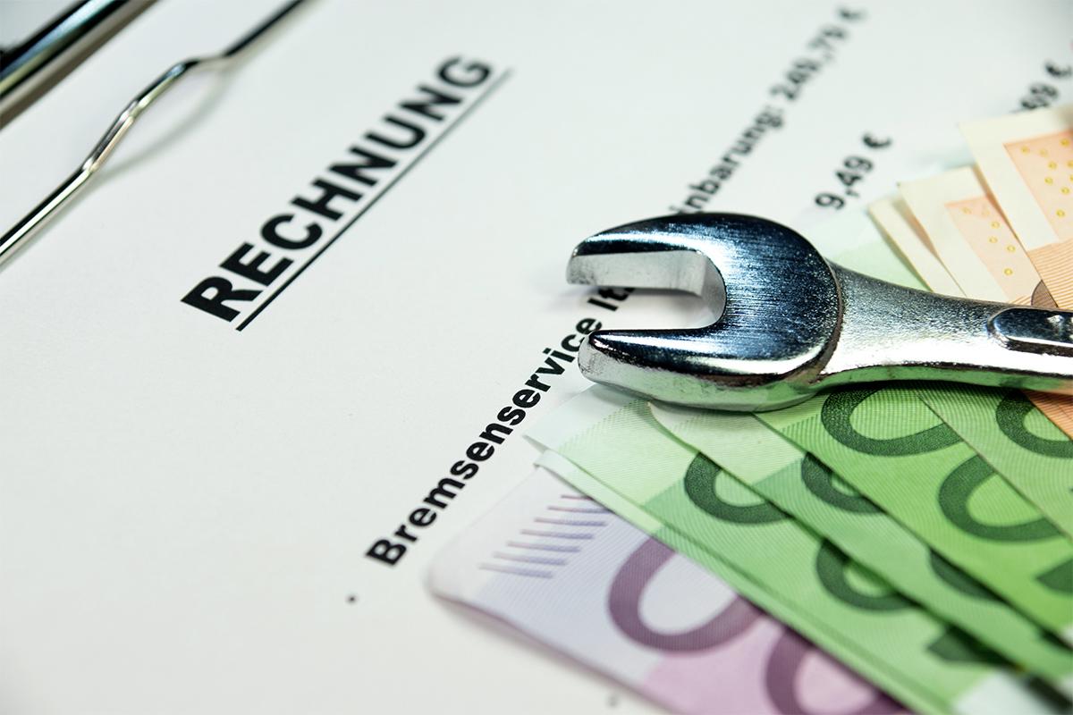 Prinzipiell sind Rechnungen von Handwerkern als Sonderausgaben steuerlich geltend zu machen.