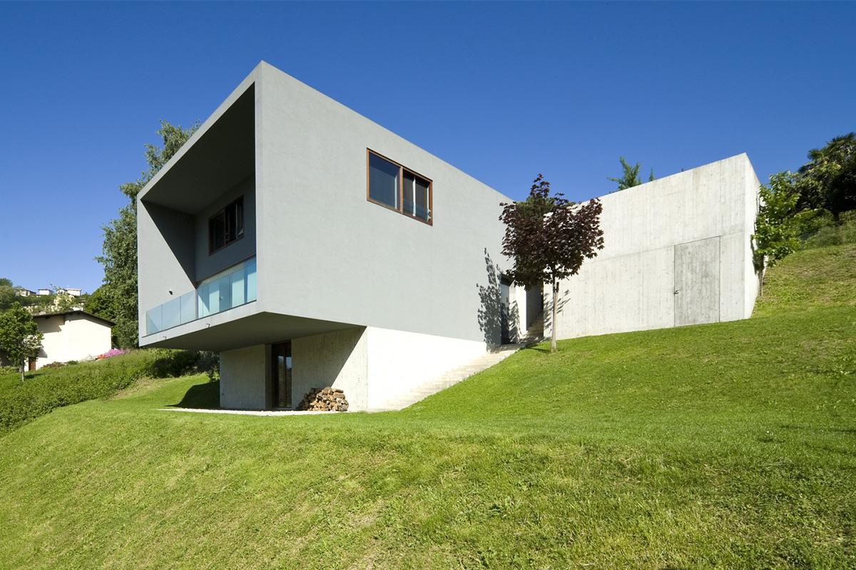Der Bau von Hybridhäusern am Hang ist ebenfalls eine elegante Möglichkeit.