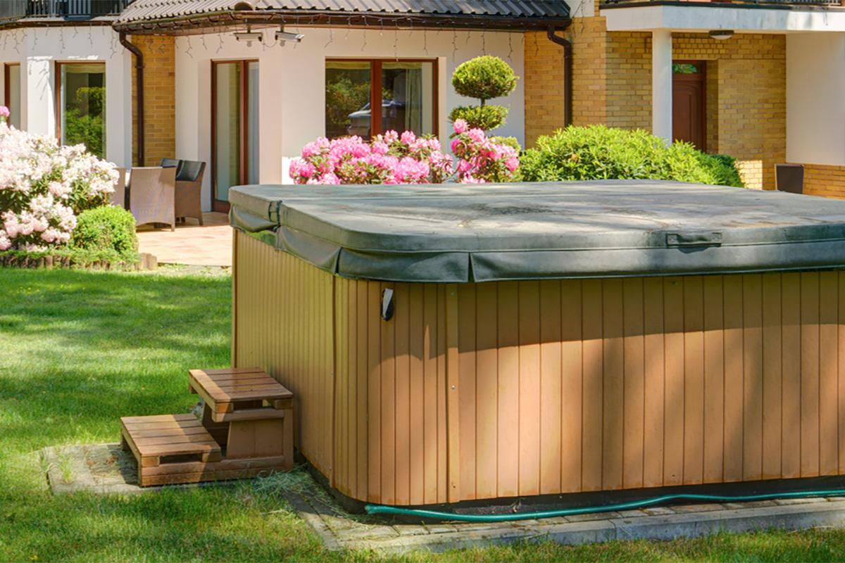 Die Vorteile eingelassener Poolbecken liegen zum einen in der Größe.